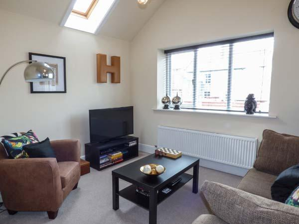 THE HIDEAWAY all first floor, close to beach and town in Llandudno Ref 917645 - Image 1 - Llandudno - rentals
