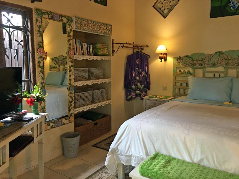 Devi's Place Ubud - peace & quiet at Lotus Cottage - Image 1 - Ubud - rentals