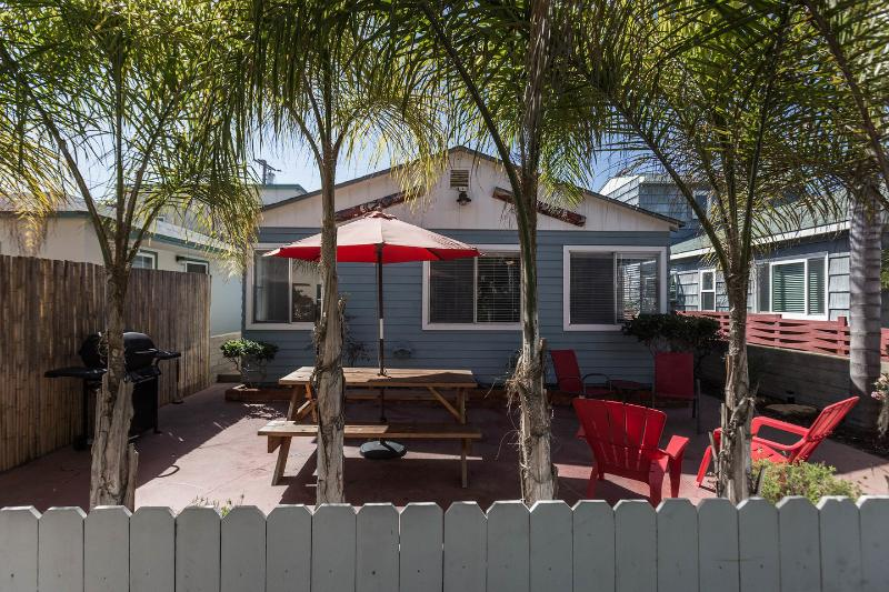 Entrance - BEACH HOUSE WITH PARKING & PRIVATE PATIO - Pacific Beach - rentals
