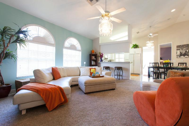Living Room - Gorgeous Pool Home- 1.1 miles to Pristine Beaches! - Naples - rentals