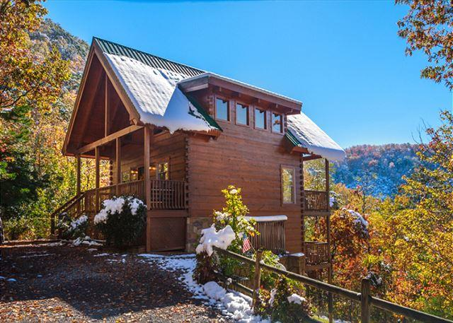 A thoroughly modern log cabin - Autumn Ridge  Private  Mountain View  Hot Tub  Pool Table  Free Nights - Gatlinburg - rentals