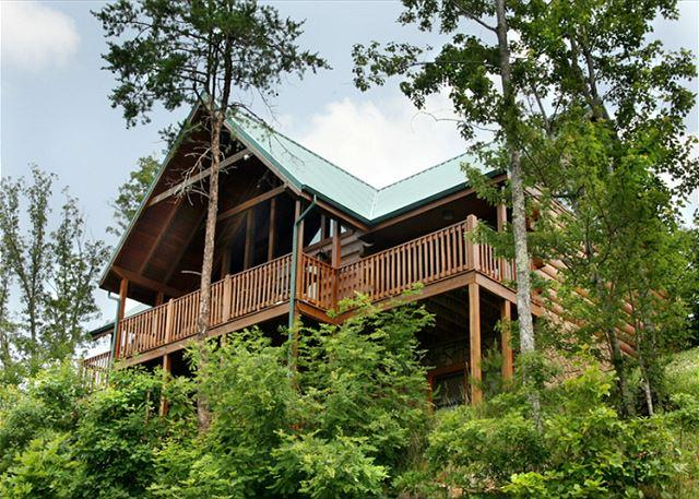 The gang's all here - Summit Lodge   Mountain Views Pool Access 2 Arcades WiFi   Free Nights - Gatlinburg - rentals