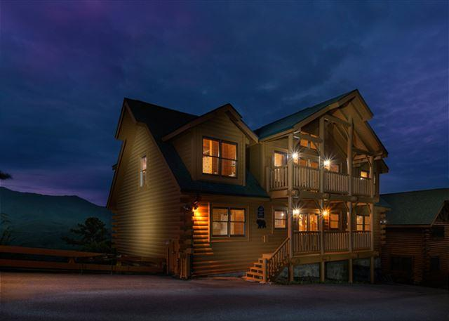 Luxury in the mountains - Amazing View Lodge   Stunning Mtn Views Hot Tub Game Room  Free Nights - Gatlinburg - rentals