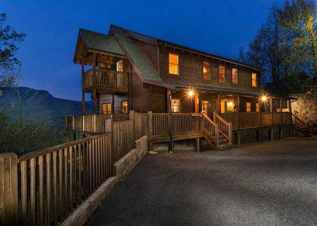 Welcome to Papa Bear's Lodge - Papa Bear's Lodge   Mountain Views Gaming Privacy Hot Tub  Free Nights - Gatlinburg - rentals