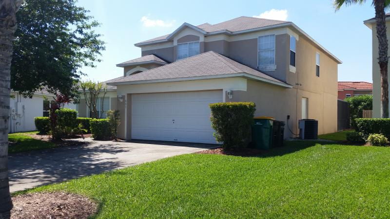 superb double storey luxury 5 bedroom resort villa - Orlando/Kissimmee Lake Berkley 5 bed luxury villa. - Kissimmee - rentals