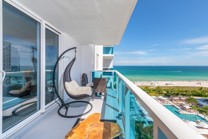 """Two swing chairs , to admire the full  ocean view ! quiet higher floor south , east view"" - Stunning ! 5*1br, Ocean View South Beach Residence - Miami Beach - rentals"
