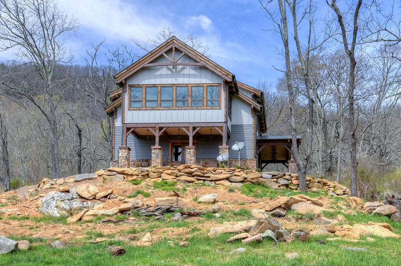 New Cabin Built for Vacation Renters to Enjoy the Best Views Around - Jewel in the Skye - Best views in the clouds - Asheville - rentals