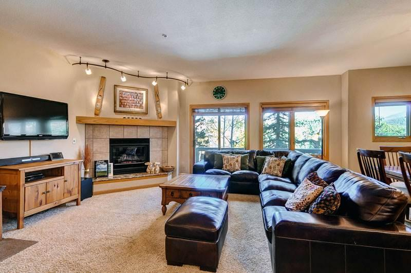 Appealing Breckenridge 3 Bedroom Walk to lift - ALA32 - Image 1 - Breckenridge - rentals