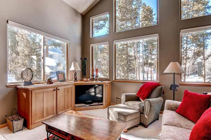Perfectly Priced Breckenridge 3 Bedroom Free shuttle to lift - GKING - Image 1 - Breckenridge - rentals