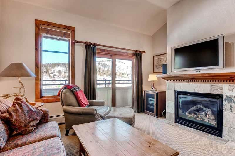 Affordable Breckenridge 2 Bedroom Walk to lift - M2404 - Image 1 - Breckenridge - rentals