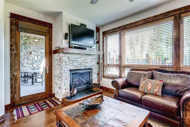 Spacious yes 2 Bedroom Condo - B411 - Image 1 - Breckenridge - rentals