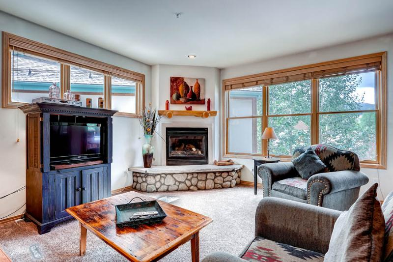 Spacious  2 Bedroom  - 1243-92211 - Image 1 - Breckenridge - rentals