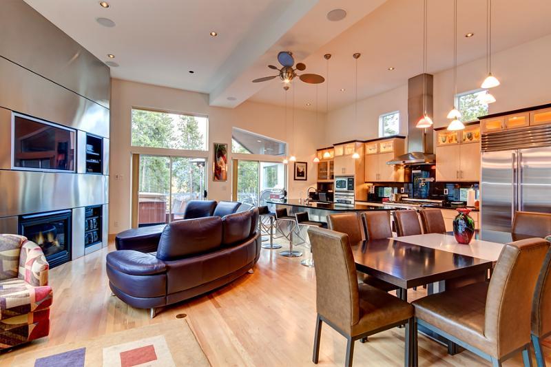 Reasonably Priced  3 Bedroom  - 1243-103016 - Image 1 - Breckenridge - rentals