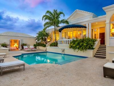 Luxurious 5 Bedroom Beachfront Villa with Pool in Sunset Bay - Image 1 - Ocean Point - rentals