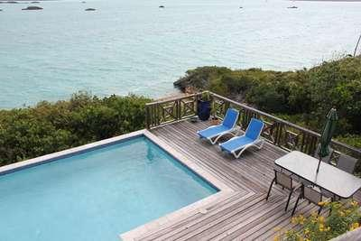 Charming 3 Bedroom Oceanfront House with Pool on Chalk Sound - Image 1 - Chalk Sound - rentals