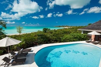 Secluded 4 Bedroom Beachfront Villa with Pool on Chalk Sound - Image 1 - Chalk Sound - rentals