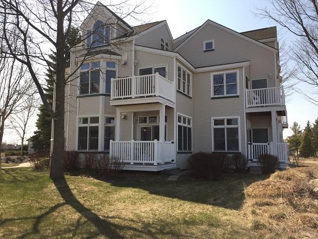 Adorable First Floor Condo, Steps to Lk MI Beaches - Image 1 - Manistee - rentals