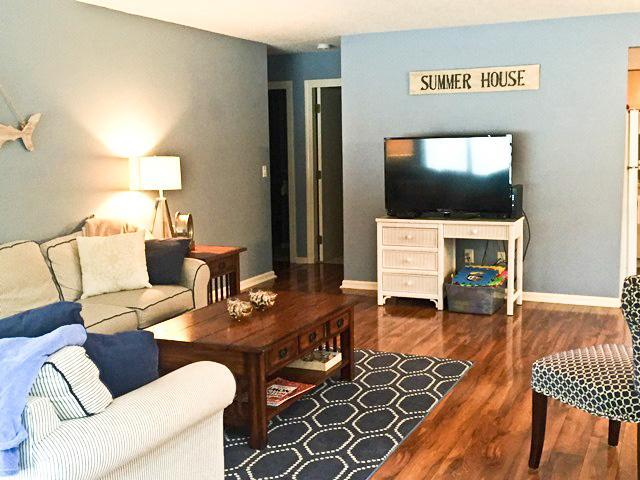 Living area - Ocean Edge Close to Arbor Pool - Sleeps 8 with A/C - EN0008 - Brewster - rentals