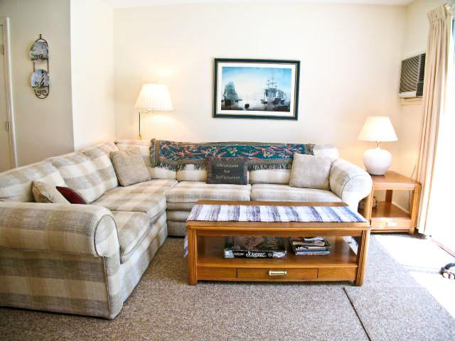 Living area - Ocean Edge - Golf Views, King Bed, 3 ACs, Pool Passes (fees apply) - BI0621 - Brewster - rentals