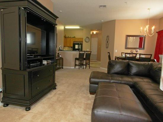 3 Bedroom 2 Bathroom Condo Sleeps 6 In Style. 7520PW - Image 1 - Orlando - rentals