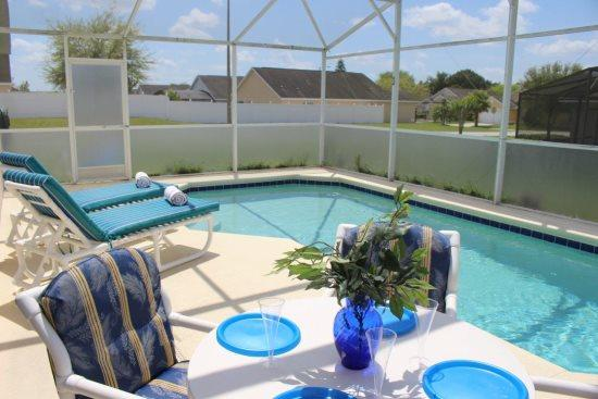 Deluxe 4 Bedroom 2 Bathroom Pool Home Near Disney. 195LRP - Image 1 - Orlando - rentals