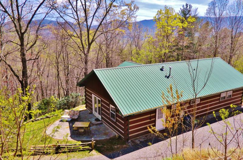The cabin that is in town yet miles away! - Close by Cabin, Black Mountain, Montreat 3BR Views - Black Mountain - rentals