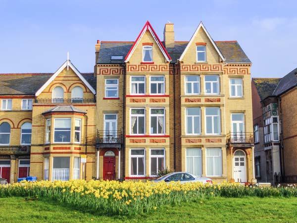 RATHMINES large seafront Victorian terrace, en-suites, garden, WiFi in Rhyl Ref - Image 1 - Rhyl - rentals