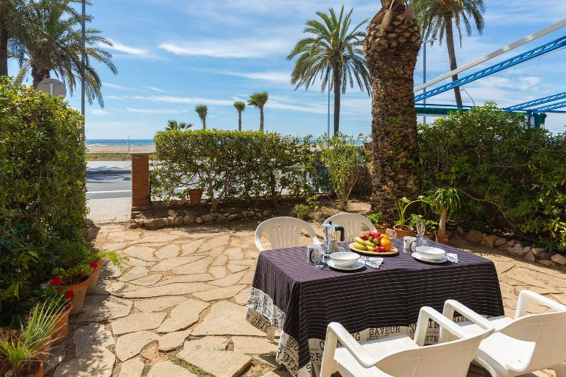 Terrace - BeachFront aptartment with garden by Barcelona - Castelldefels - rentals