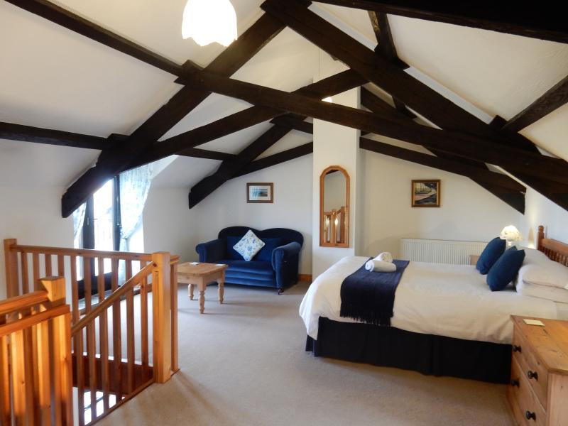 Stunning bedroom in Clematis - Clematis Cottage, Ocean Views in North Devon - Hartland - rentals