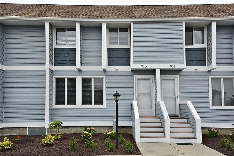 """""""Hidden Harbor"""" townhouse with community pool and tennis. Only 3 blocks to the beach! - Image 1 - Bethany Beach - rentals"""