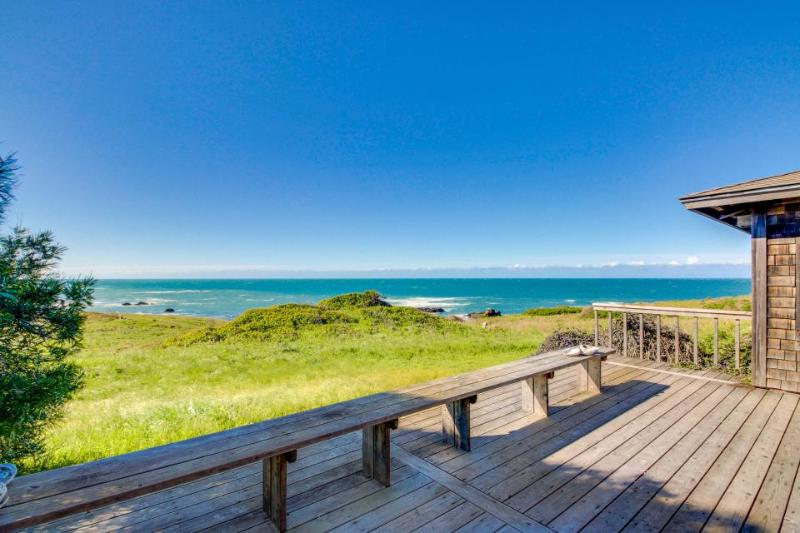 Dog-friendly home, w/sweeping ocean views, shared pool, & prime location! - Image 1 - Sea Ranch - rentals