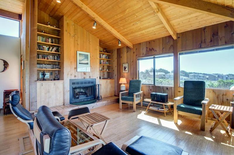 Contemporary coastal home with private hot tub, shared pool & ocean views! - Image 1 - Sea Ranch - rentals