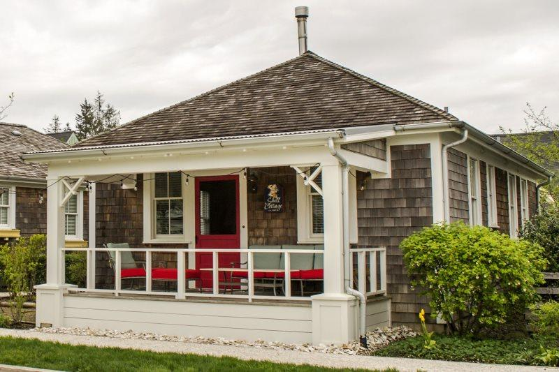 Shell Cottage with new outdoor seating - Shell Cottage - Pacific Beach - rentals