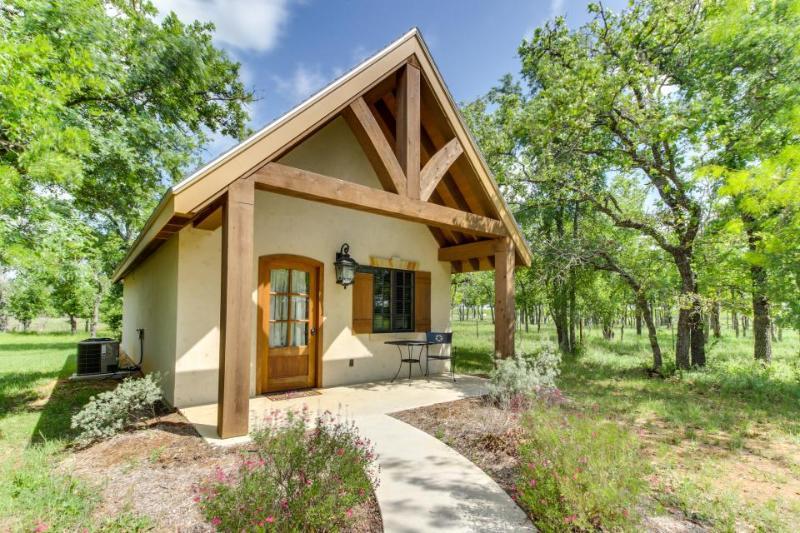 Elegant cottage w/ a private deck, steps from tasting rooms! - Image 1 - Fredericksburg - rentals
