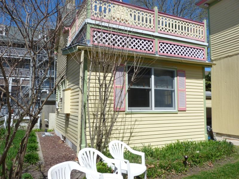 #2, inlet cottage had a face lift 5/16 - Seaside cottage experience, e-z walk 2 everything - Cape May - rentals