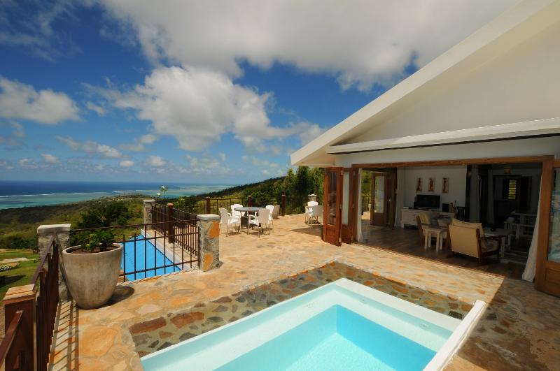 """MON REPOS"" in Rodrigues w. pool, 5 min to Gravier - Image 1 - Coromandel - rentals"