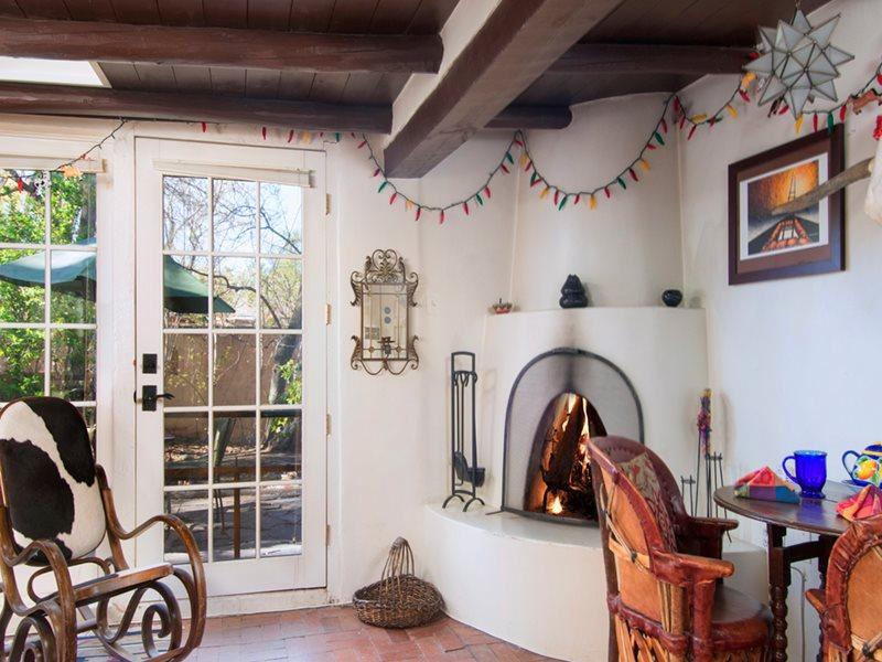 Living Room - Adobe Destinations - La Casita de la Acequia - Santa Fe - rentals