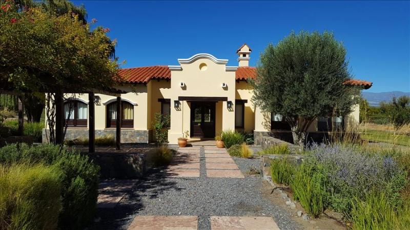 Casa Lavanda by Cafayate Holiday - Image 1 - Cafayate - rentals