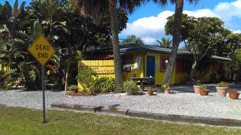 """Banana Hammocks Resort"" Pet Friendly! - Banana Hammocks Resort Cabana by the Beach! - Fort Pierce - rentals"