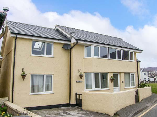 BRYN GOLEU, detached, upside down accommodation, off road parking, enclosed patios, in Moelfre Ref 904140 - Image 1 - Moelfre - rentals
