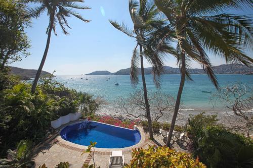 Infinity Pool, Casa del Platero, overlooking Zihuatanejo Bay - Romantic Villa on Zihuatanejo Bay *Seasonal Rates - Zihuatanejo - rentals