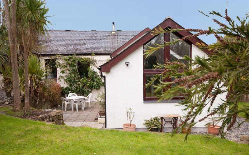 Tregothal - sleeps 8, dog friendly - Milly and Martha - Tregothal - Marazion - rentals