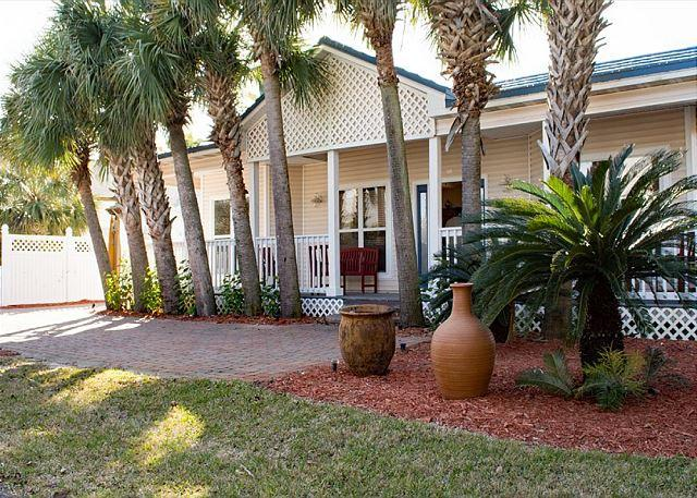"Welcome to ""Off The Grid"" - Beautiful 3 Bedroom with Private Pool - Destin - rentals"