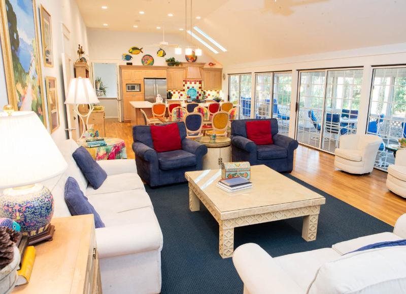 PET FRIENDLY Palmetto Dunes Colorful 2nd Row - Image 1 - Hilton Head - rentals