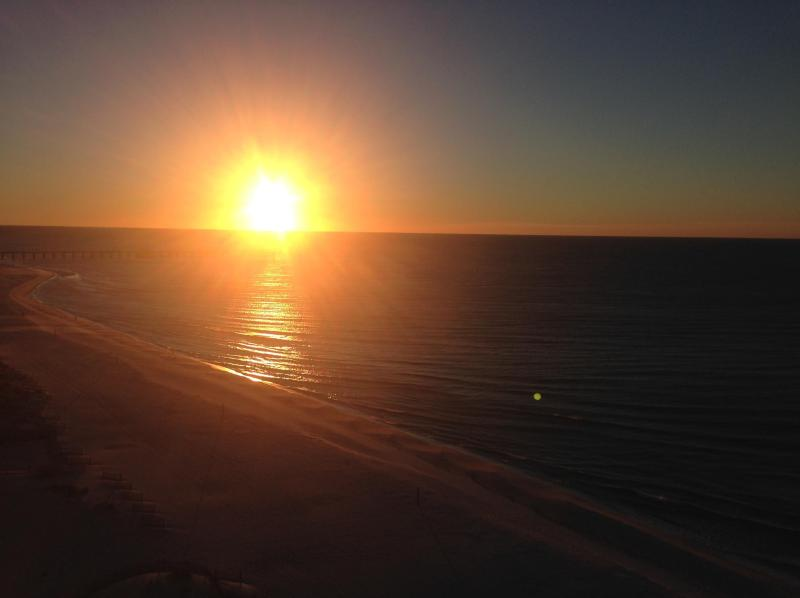 Sunrise on the Gulf! - Lighthouse 3/3 w/3 King Beds! Fall on Sale Now! - Gulf Shores - rentals