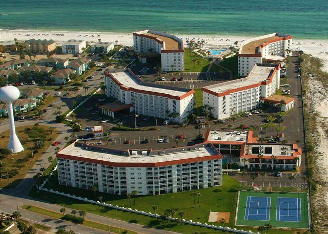 This place looks like fun - let's check out this gulf front unit and the grounds around it. - Directly Facing the Gulf of Mexico and our Beautiful Beach. - Fort Walton Beach - rentals