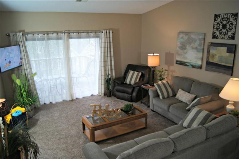First-Class Condo Near The Strip, 2 Kings, WIFI, In/Out Pools and More, C-20 - Image 1 - Branson - rentals