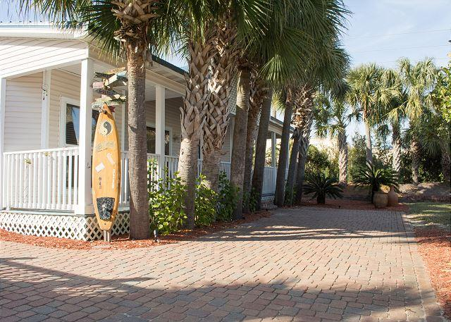 Welcome to Off the Grid - 30% Off 4 Nights or More Sept-Jan! 3 Bedroom 2 Bath Cottage with Private Pool - Destin - rentals