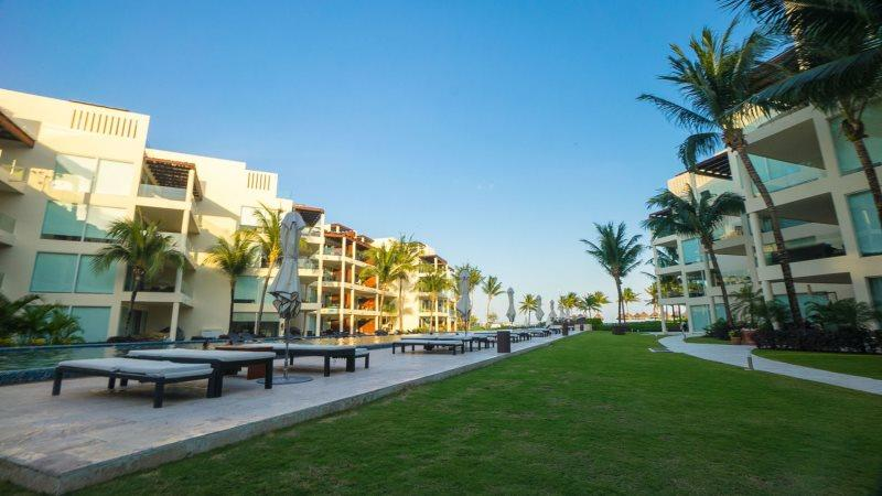 The Elements Suite 223 BEACH TOWER - Image 1 - Riviera Maya - rentals