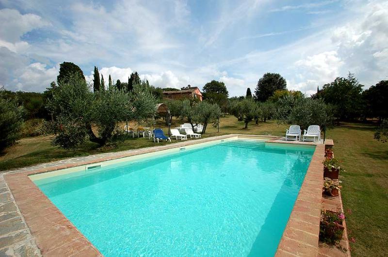 House with private pool near Siena and Arezzo - Image 1 - Rigomagno - rentals